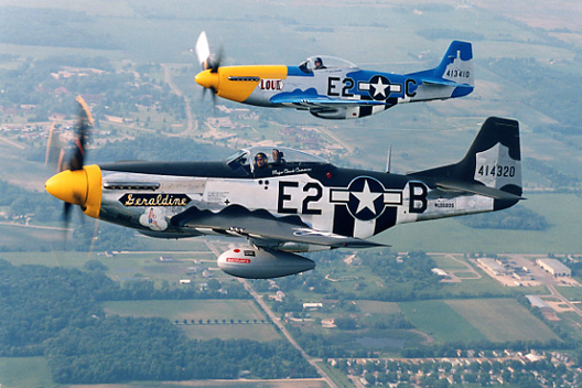 Mustang 2-ship formation